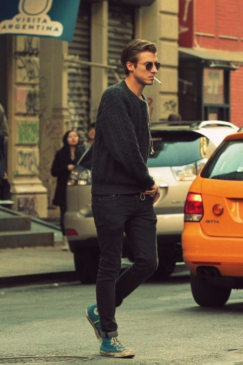 Black oversized sweater…