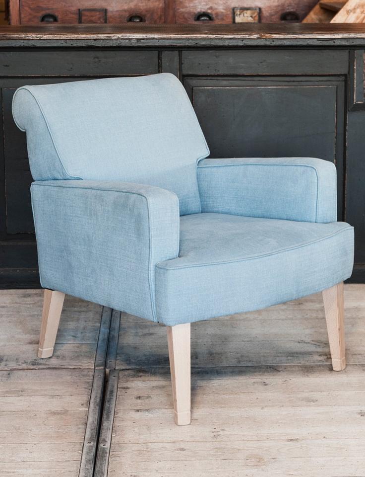 passepartout zeteltje - seat with wooden legs. - woontheater