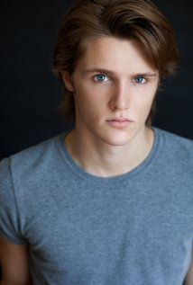 Eugene Simon Picture My vote for young Ian - Dragonfly Amber, Outlander Series  *Dream Cast*