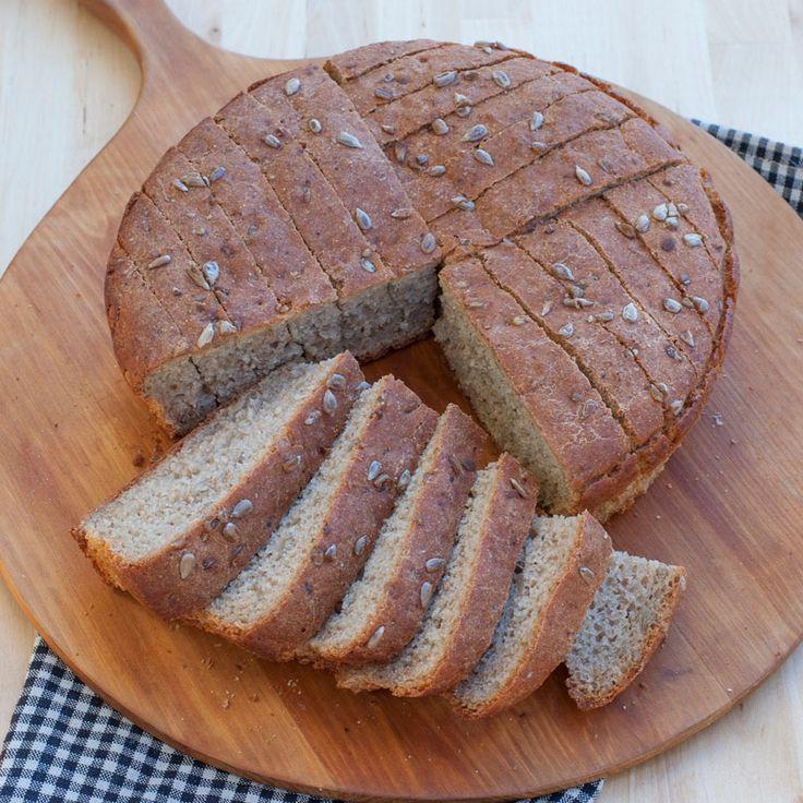 Ett fantastiskt gott grahamsbröd som är lätt att lyckas med! Knådfritt, en jäsning.