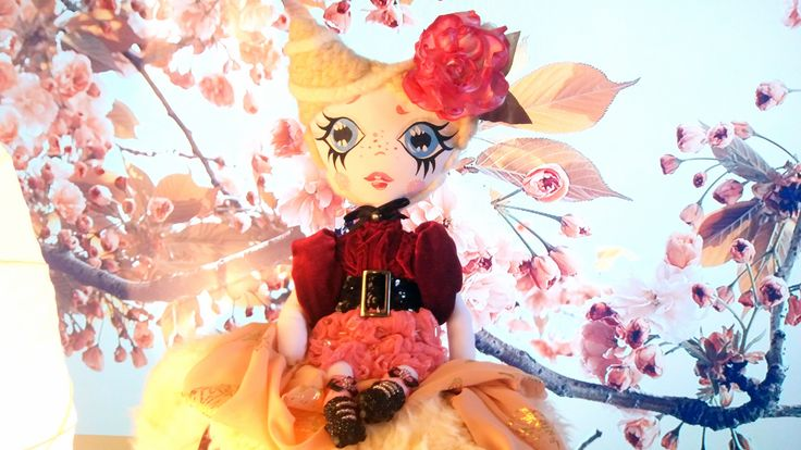 ANNIE / Textile art / Textile Doll / Fashion Doll