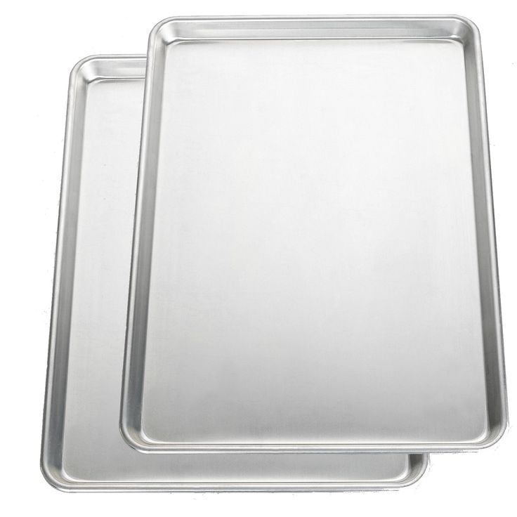 Cook up a delicious batch of homemade cookies on this extremely durable half baking sheet from Nordic Ware. Made for commercial use but intended for home use, this cookie sheet bakes and browns evenly, resulting in perfectly baked treats every time.