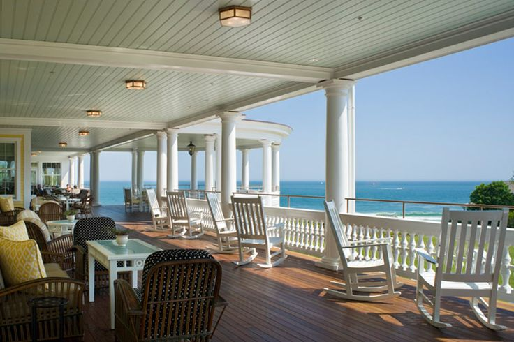Boasting coastal perks from Cape Cod to Down East, these are the 10 best seaside inns in New England.