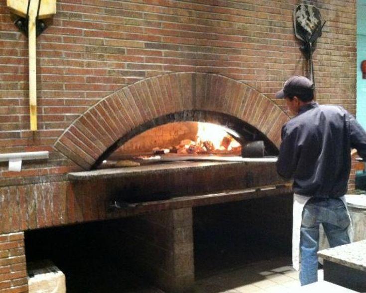 Bertuccis: Crispy, brick-oven pizza