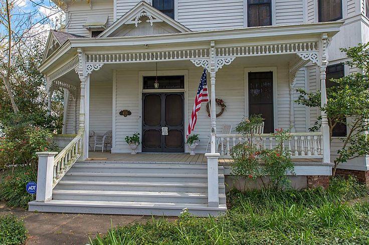 416 Holland St Navasota, TX 77868: Photo
