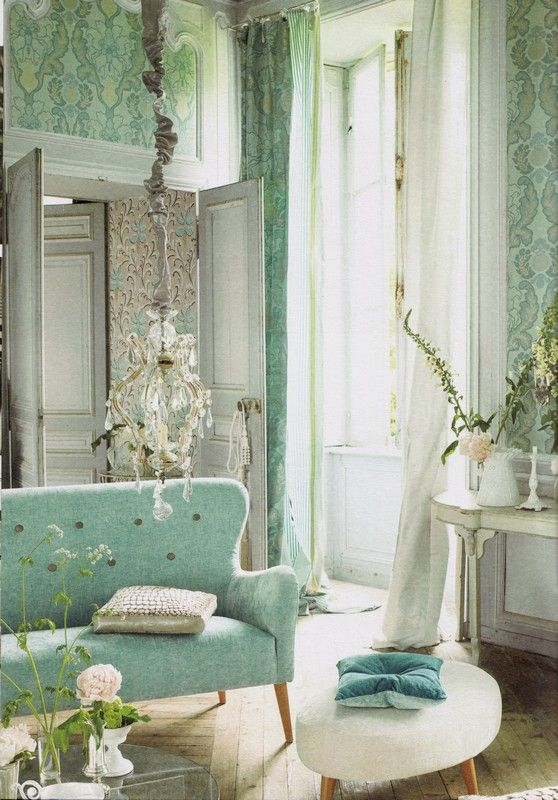 OH MY..... Love this room, all of it, the colours, the furniture, the wallpaper the curtians, the chandelier....sigh!