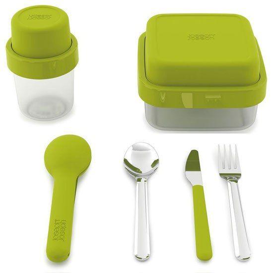🍱 Obědový box GoEat™ je ideální pro Váš oběd či občerstvení 😍 a pro úsporu místa se po jídle horní miska otočí a vloží do prázdné spodní misky. Obě misky se opět pevně spojí rámečkem/kroužkem. ➡ https://www.giftlab.cz/boxy-na-potraviny-goeat/