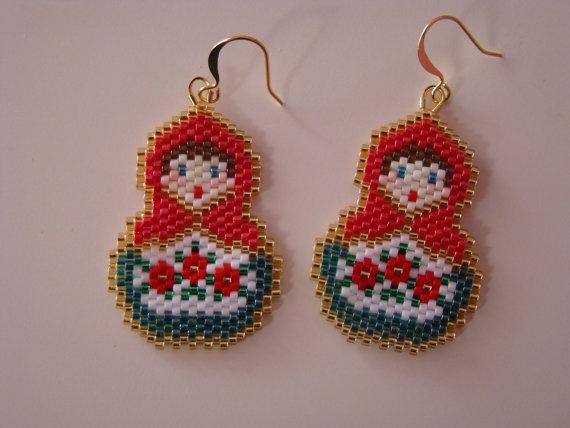 Pendientes matrioska / Beaded matryoshka earrings