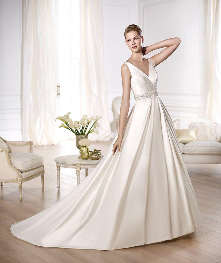 Pronovias presents the Odina wedding dress. Glamour 2014. | Pronovias