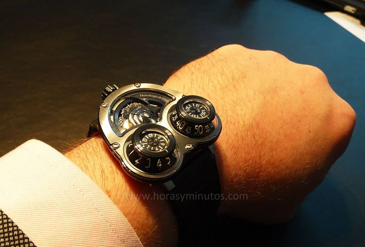 MB and F HM 3 MegaWind Final Edition en la muñeca 1