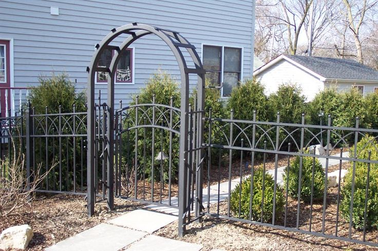 17 best images about arbors on pinterest white vinyl for Fence with arbor