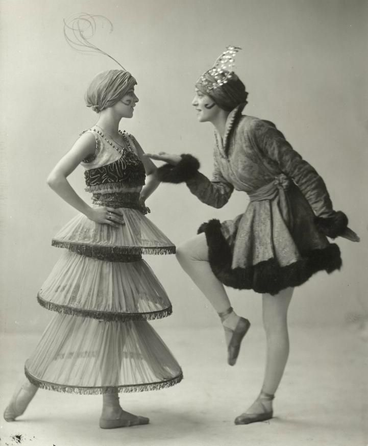 The Ballet Russe and costumes was designed by Paul Poiret.ballet actress was wearing lampshade tunic in photo