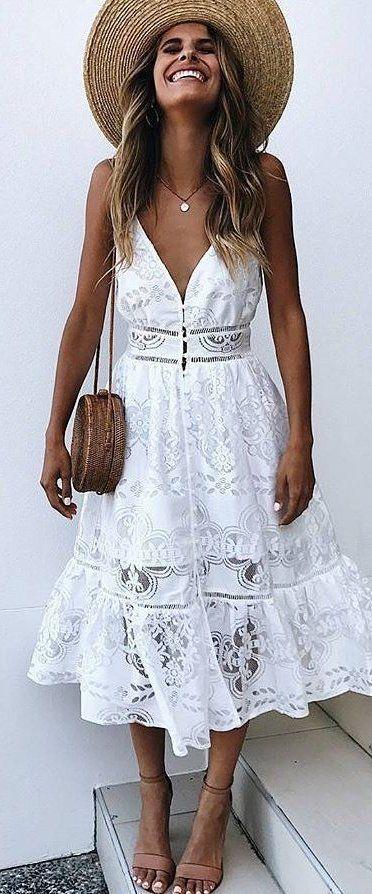 white lace sleeveless dress, basket purse, woven hat, flat neutral sandals #festivaloutfits