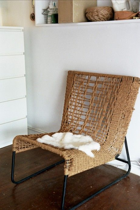 vintage wicker: Decor Tips Ideas, Comfy Earthy Chairs, Comfyearthi Chairs, Outdoor Chairs, Interiors Design, Beautiful Wicker, Jessica Barensfeld, Wicker Chairs, Interiors Decor