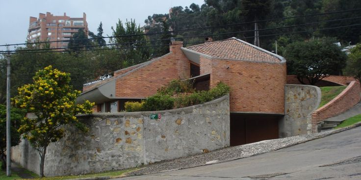 Casa Calderón, Bogotá, Colombia - Fernando Martínez Sanabria - © IVANMINJAREZ Arquitectura