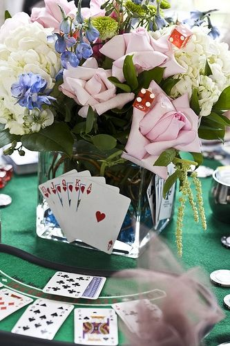 Great centerpiece for a Vegas wedding