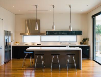 10 Gorgeous Minimal Kitchens