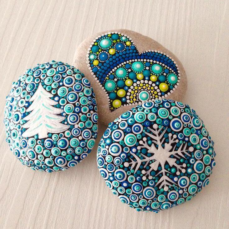 #snow #paintedrocks #heart #etsyupdate #createandcherish #dotart #dotilism #christmasdecoration #christmasdecor #christmastree #winterdecor #homedecor #paintedstones #snowflake