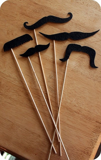 Fun for the kids....moustache template to make with felt