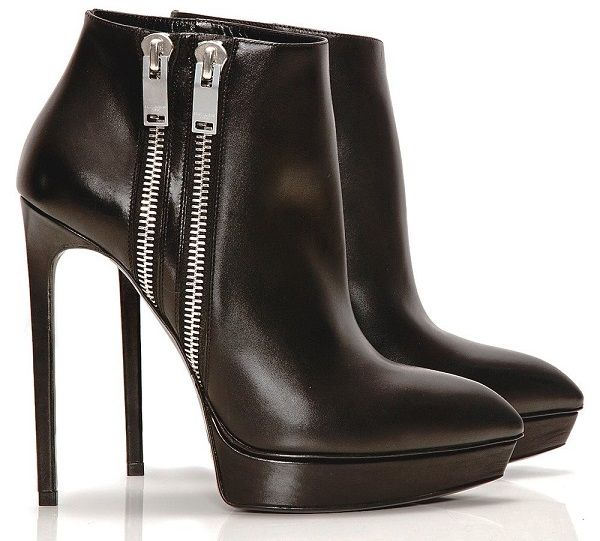 New exclusive range of Womens Footwear now available at Pricealley. Click now for free ...
