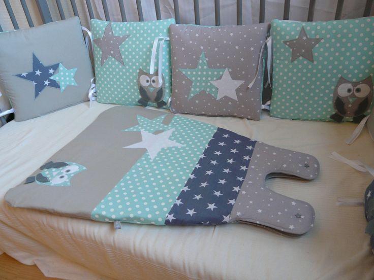 Tour de lit Chouettes et étoiles vert d'eau et gris : Mode Bébé par little-fish-shop