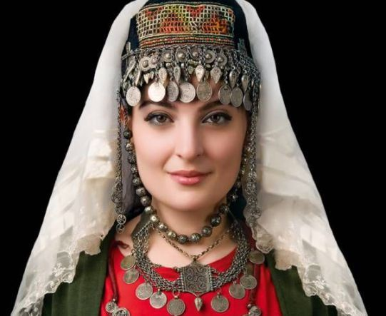 Traditional Dress Of Armenia So Colorful And Diversified Armenian WeddingTraditional