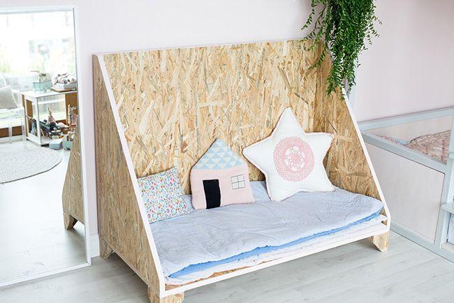 Les 25 meilleures id es de la cat gorie lit pour chien en palettes sur pinterest lits pour - Lit bebe palette ...