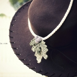 More of the Owl's mistletoe necklaces. Perfect for christmas gift ...