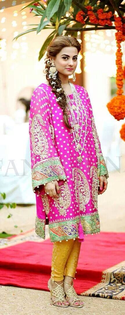 Colorful outfit Pakistani fashion