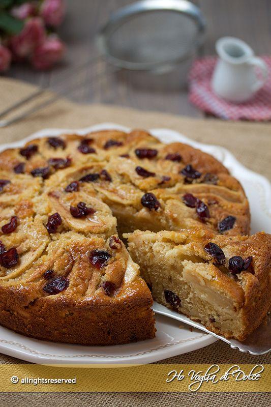 Torta di mele e mirtilli rossi essiccati o freschi. Un dolce soffice perfetto per colazione e merenda. Ricetta facile, veloce e genuina che piace a tutti