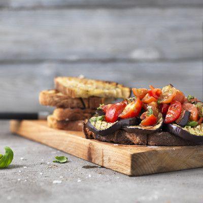 Grillad bruschetta med aubergine