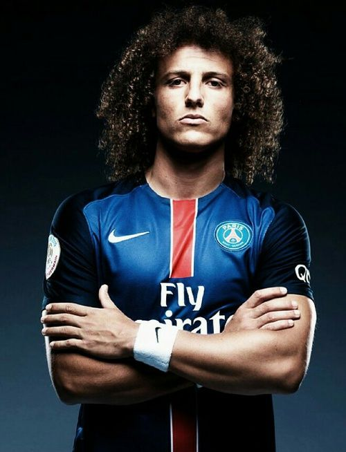 literally in love with david luiz <3