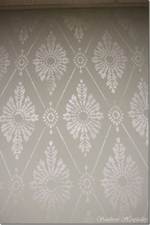Diamond Damask Stencil: How-To Stencil a Wall ~ what FUN is this!  I like this and this would help me decorate the top half of the wall, with the bottom half plain colored.  Will use either a decorative or plain wall border for the middle connection.