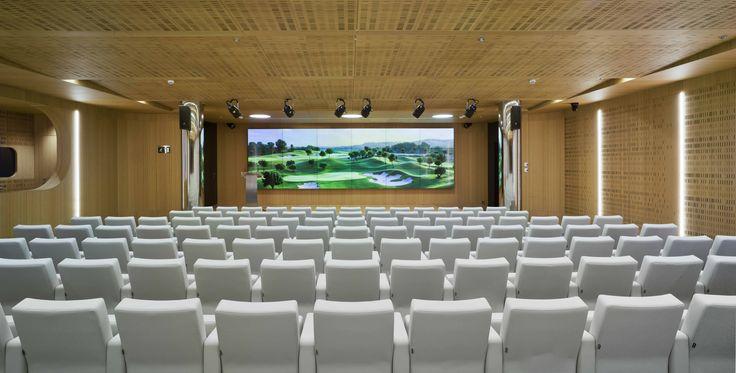 Auditorio de Castellana 81 para 188 personas con un equipamiento a la vanguardia de la tecnología #eventos #madrid #auditorio