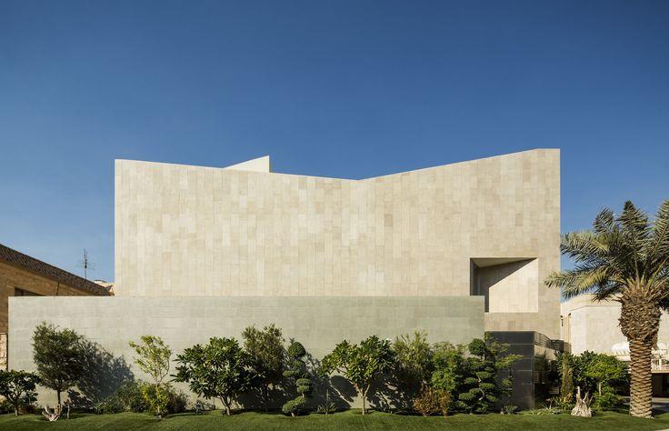 Wall House / AGi architects