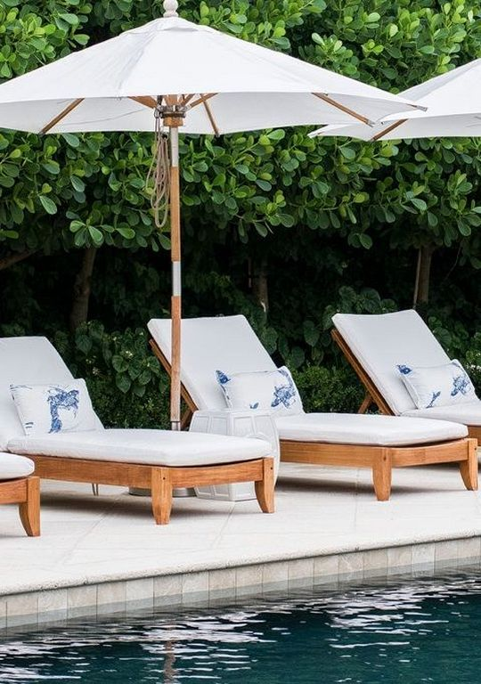30+ Outdoor Lounge Chair Designs For Swimming Pool | Backyard Oasis ...