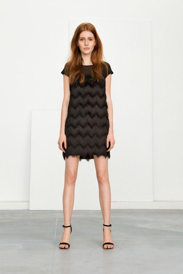 SUKIENKA Z FRĘDZLI - KlaudynaCerklewicz - Sukienki mini