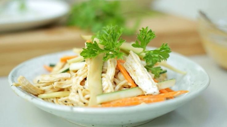 taiwanese cold noodles with peanut sauce