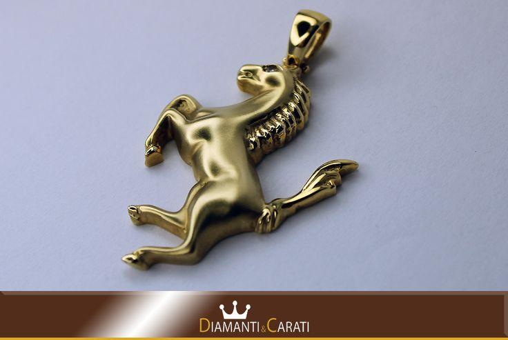 Ciondolo Oro Cavallo con Diamante  www.diamantiecarati.com