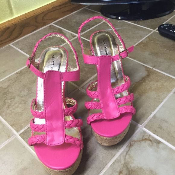 Ashley Stewart cork sandals..Firm Ashley Stewart Harlow ..cork sandals used one time size 8.5..please ladies no low balling on low prices...ty Ashley Stewart Shoes Sandals