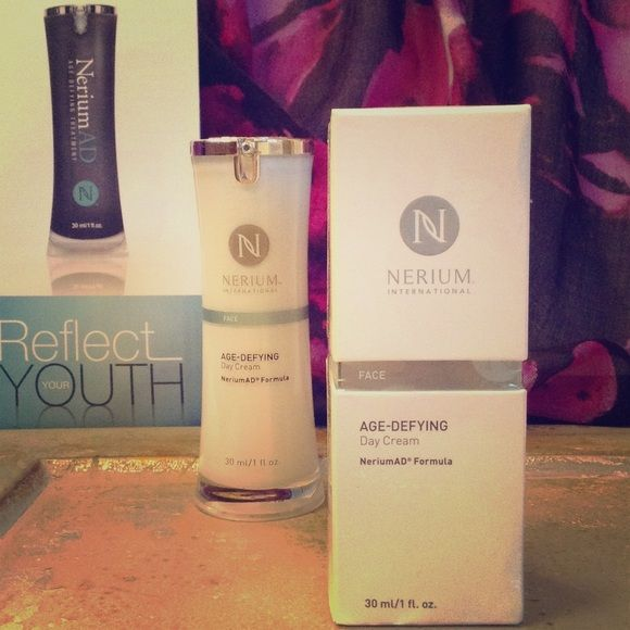 Nerium International Day Cream Reduces fine lines and wrinkles, discoloration, uneven skin texture, enlarged pores, aging or loose skin Nerium International  Other