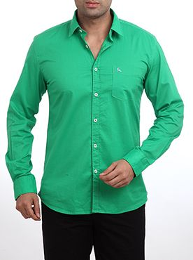 Raymond presents this Parx casual shirt for people who are obsessed with sports and outdoor activities. This dark green colored shirt features a slim fit design and full sleeves. It is made from superior quality cotton which provides higher level of comfort to the user. You can wear this with a pair of jeans and walk away to anywhere with pride. This casual shirt is highly durable and very skin friendly in nature. You will get loads of appreciation from your friends for choosing this casual…