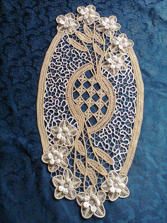 Beautiful example of Romanian point lace crochet: