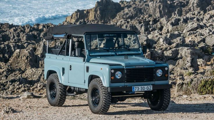 This Matte Blue Land Rover Defender Is Ridiculously Cool   Airows