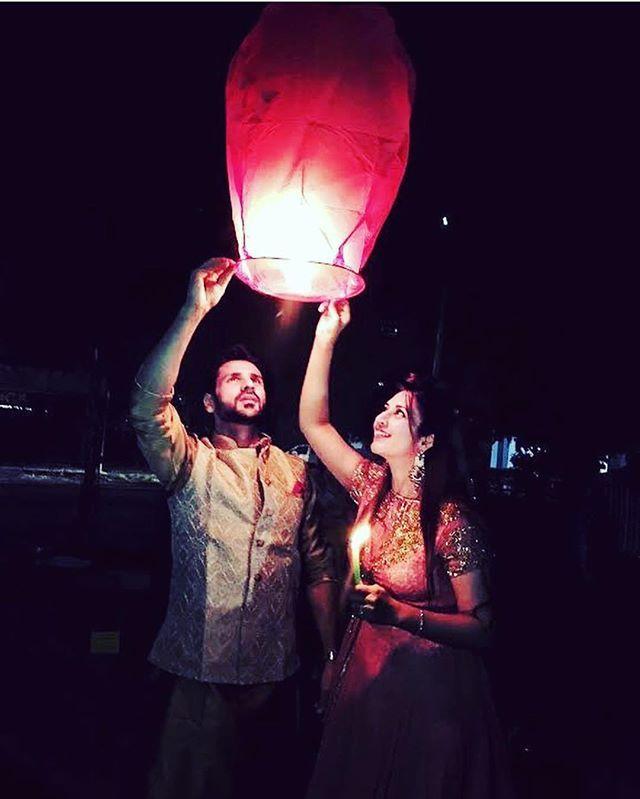 """Don't let anyone dim your light , especially when your light is worth shining "" #Divek ❤️ @divyankatripathidahiya @officialvivekdahiya #yehhaimohabbatein #divyankatripathi #vivekdahiya #divek #yhm"