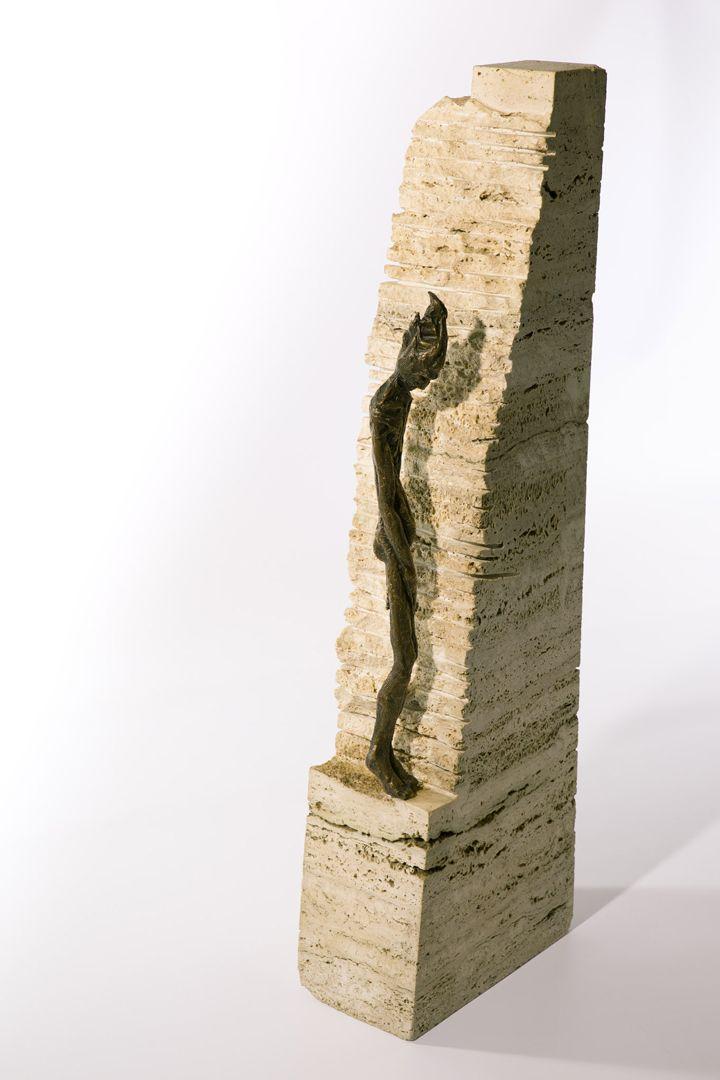 Filippo Vieri   SOLITUDINE bronzo e travertino - 2002 - H. 70 cm. Photo: stefanocasati.com