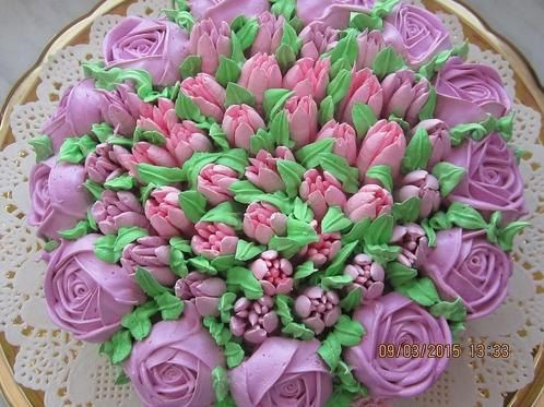 Russian tulip tips piping icing nozzles by Lovetobakeandcraft