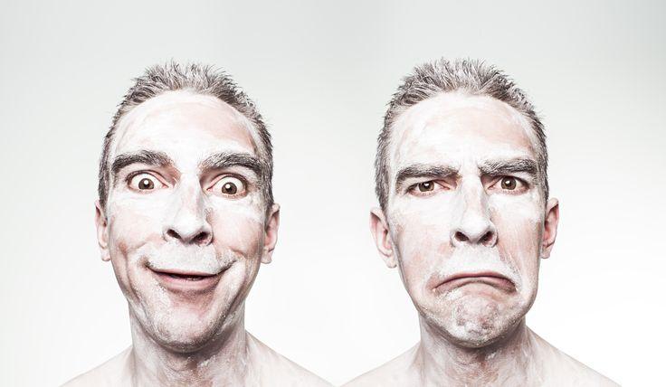 Um sentido de humor áspero e torcido pode ser um dos primeiros sinais de demência, revela um estudo da Universidade College de Londres.