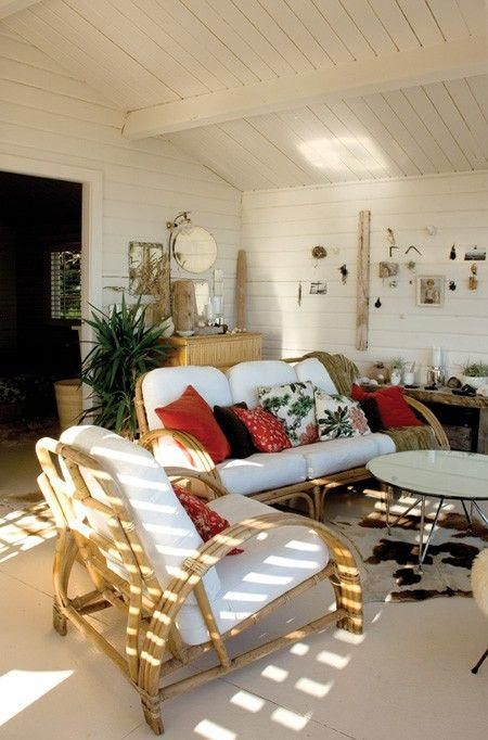 Eclectic Beach House Casual Furniture Makes A E More Livable Beachcottages