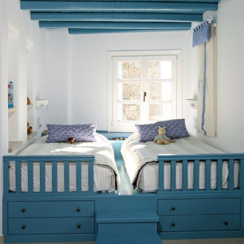 Great for two kids sharing a small room! But would anyone ever sleep?